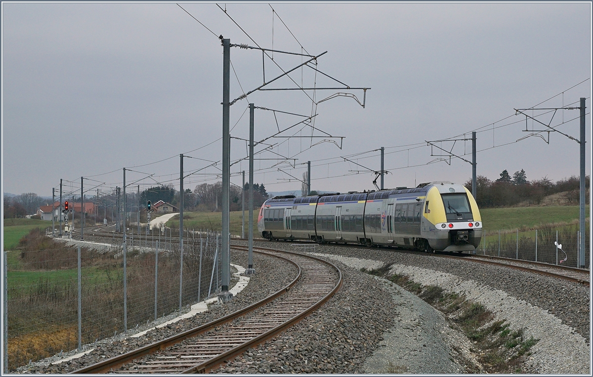 The SNCF Z 27582 is leaving the new Statin of Meroux TGV on the way to Belfort.