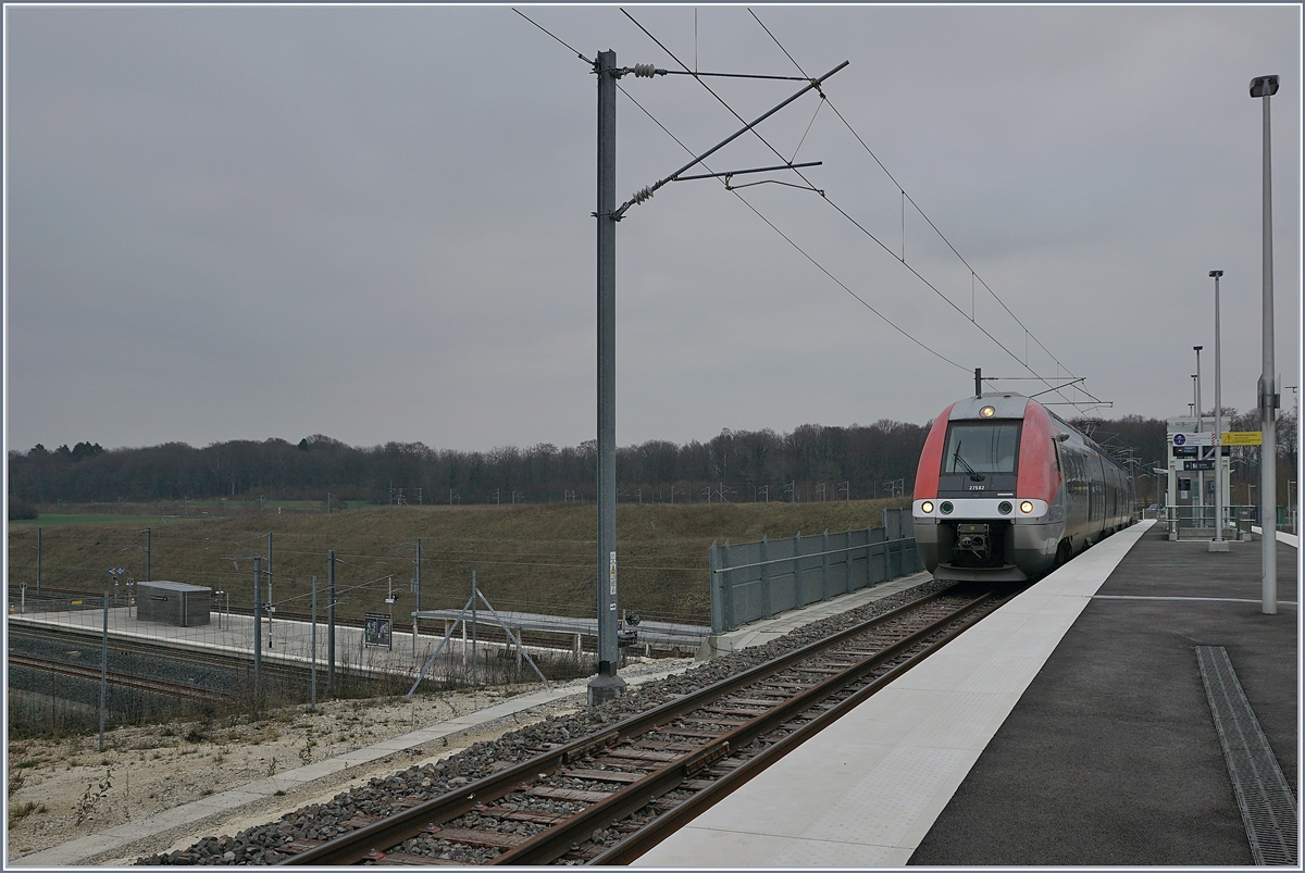 The SNCF Z 27582 in the new Statin of Meroux TGV. 