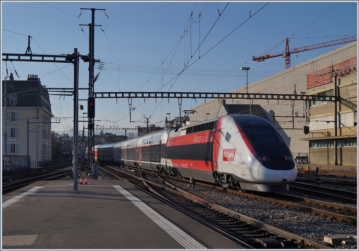The TGV 4420 in the new Lyria Look in Lausanne.