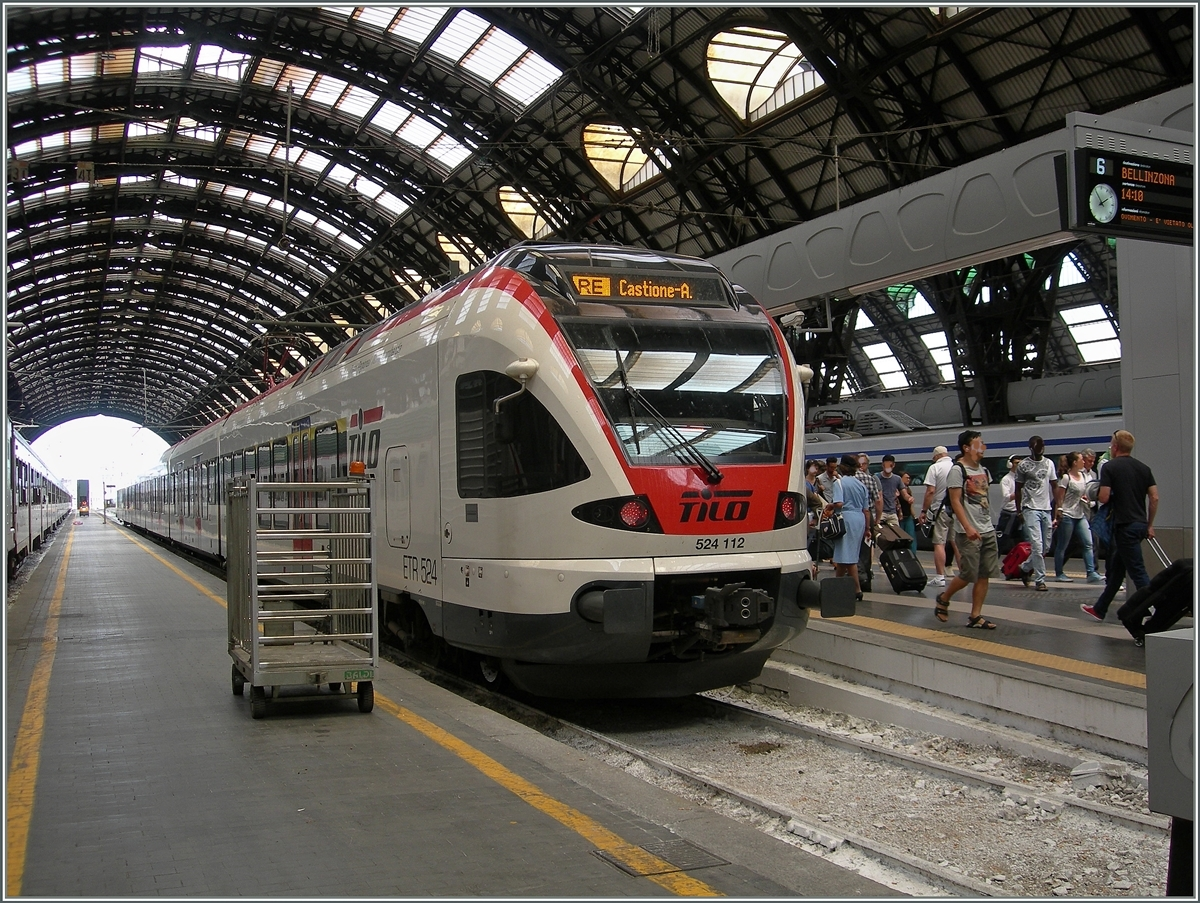 The Tilo 524 112 to Bellinzona in the Milan Main Station.