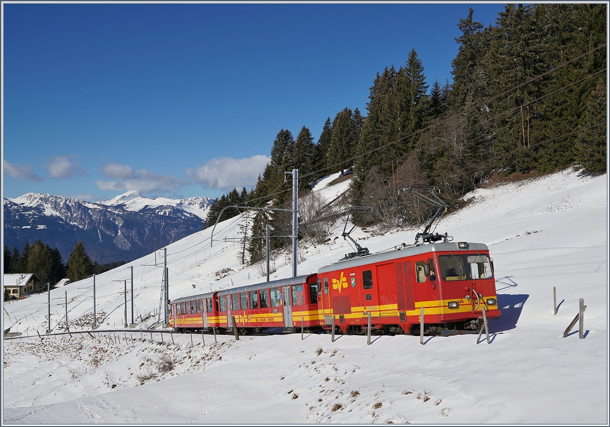 The TPC BVB HGe 4/4 31 with a local train to the Col de Bretaye near the Col de Soud. 