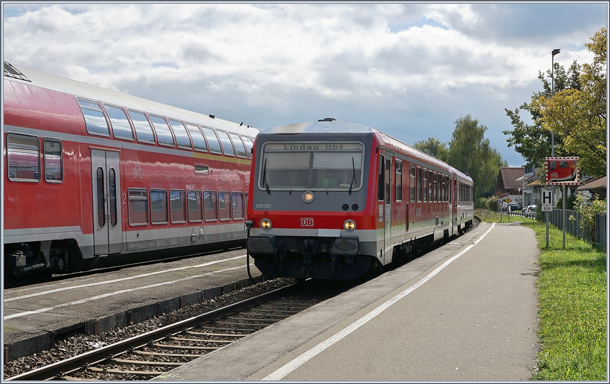 The VT 629 001 on the way to Friedrichshafen (and not Lindau) in Nonnenhorn.