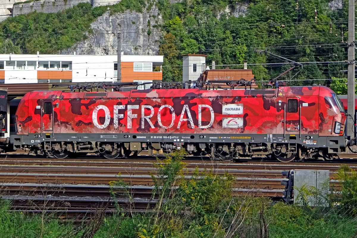 While leaving Kufstein 'Off Road' on 16 September 2019, TX Log 193 555 seems on fire.