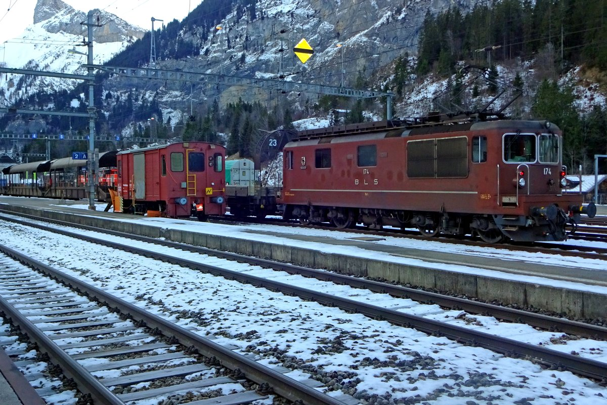 With a car shuttle, BLS 174 readies herself fur new duties at Kandersteg on 2 January 2020.