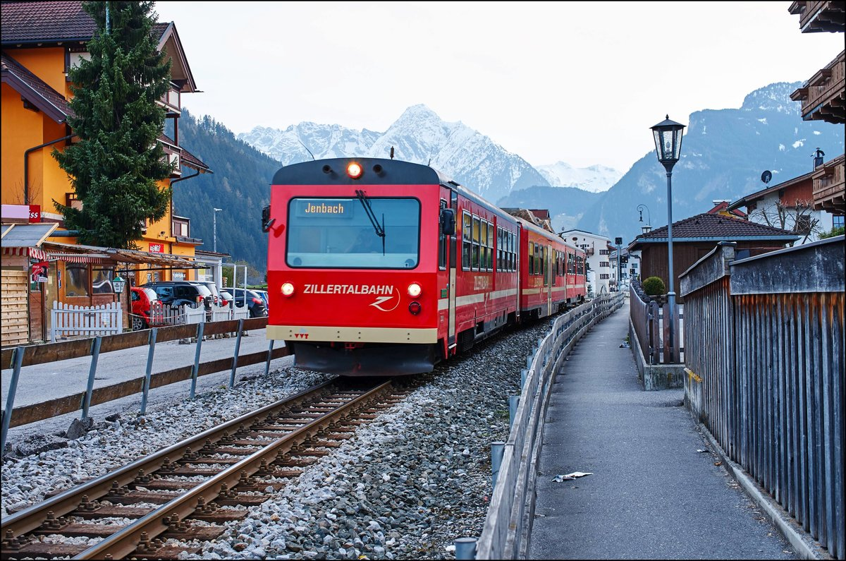 Zillertal Railway VT5 on Station Zell am Ziller at 2.4 2016th