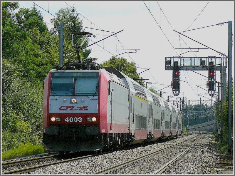 4003 arrives at the stop Lamadelaine on its way from Luxembourg City to Athus (B) on August 4th, 2009.