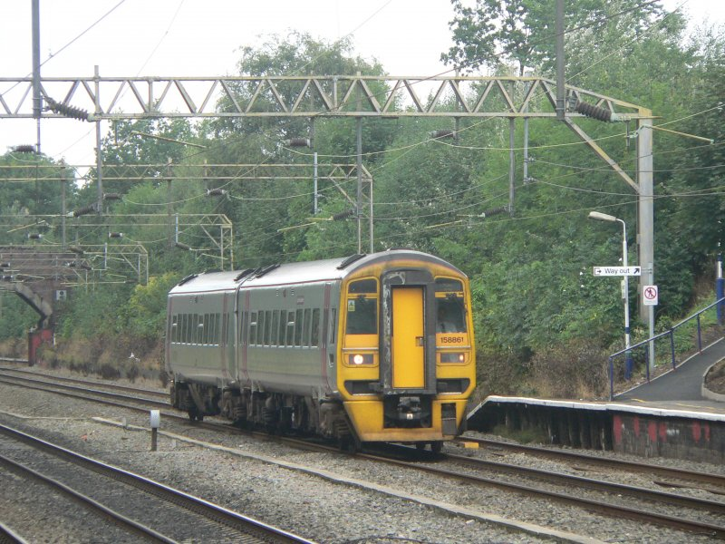 Arriva train 158861 is passing Heaton Chapel in Manchester, August 2006