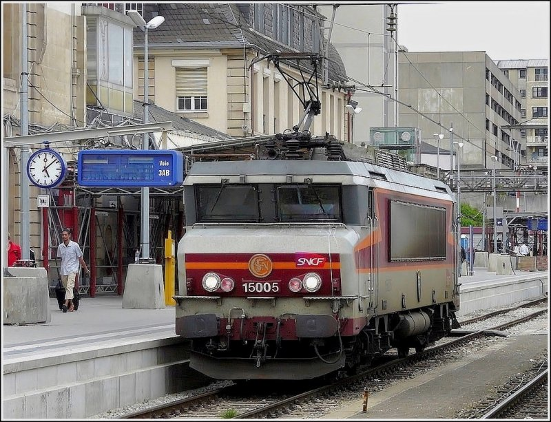 BB 15005 is leaving the station of Luxembourg City on April 25th, 2009. The nickname of these SNCF engines is  nez cassés  (broken noses).