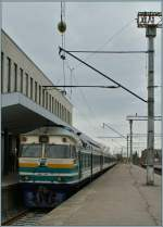 The Edelarautee DR1B-3719 (and an other one) wit the sunday Service n° 0012 to Tartu in Tallin.