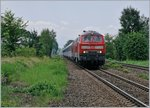 The DB 218 481-0 and an oither one wiht the IC Innsbruck - Münster are arriving at Mecknebeuren.