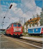 The DB 218 400-0 and 418-2 are arriving wiht his EC in Lindau Hbf. 