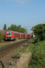 Two VT 611 to Lindau arrive in Nonnenhorn. In the background stand two old semaphore signals. 