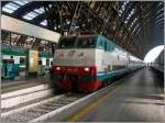 The trenitalila FS E 444 109 in Milan Central Station.