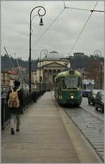 The  GTTTram 2855 on the Ponte Vittoria Emaulle in Torino.