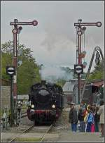 The steam engine  Energie 507  is arriving at the station Fond de Gras on September 13th, 2009.