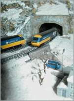 To BR HST 125 meets in the Snow Landscape on my T Gauge Model Railroad.
