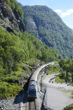NSB EL 18 2258 on the Flåm railway line between Spikaberg (1103 meter) and Sjølvskot (417 meter).