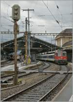Re 4/4 II - Festival in Lausanne : Re 4/4 II 11121 is leaving with his RE to St Maurice from the Lausanne Station.