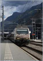 The SBB Re 460 052-4 in Visp.