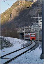 The RegionAlps RABe 525 041 is leaving the Le Chable Station.