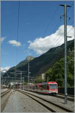 A  Komet  from Zermatt to Brig is leaving Visp.
