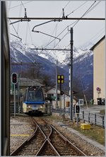 AQ SSIF Treno Panoramco is arriving at Trontano.