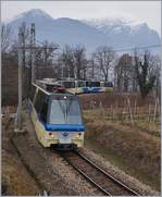 A SSIF Treno Panoramico on the way to Locarno near Trontano.