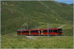 A new Jungfraubahn train between the Kleine Schiedegg and the Eigergletscher Station.