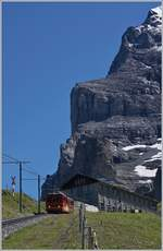 A JB train on the way to the Kleine Scheidegg near the Eigergletscher Station.