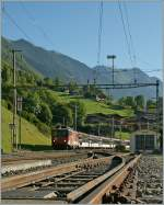 A  zb  De 110 with an IR is approaching Oberried am Brienzersee.