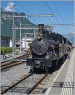 The ex Brünig (now BDB Ballenberg Dampfbahn) G 3/4 208 is arriving at Meiringen.