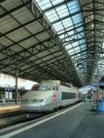 In Lausanne the TGV Lyria 9268 is about to leave to Paris.